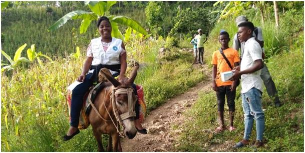 Desplazamiento al Centro de Salud de Dufour en la zona rural de Petit Goave @Gemita Augustin Marie